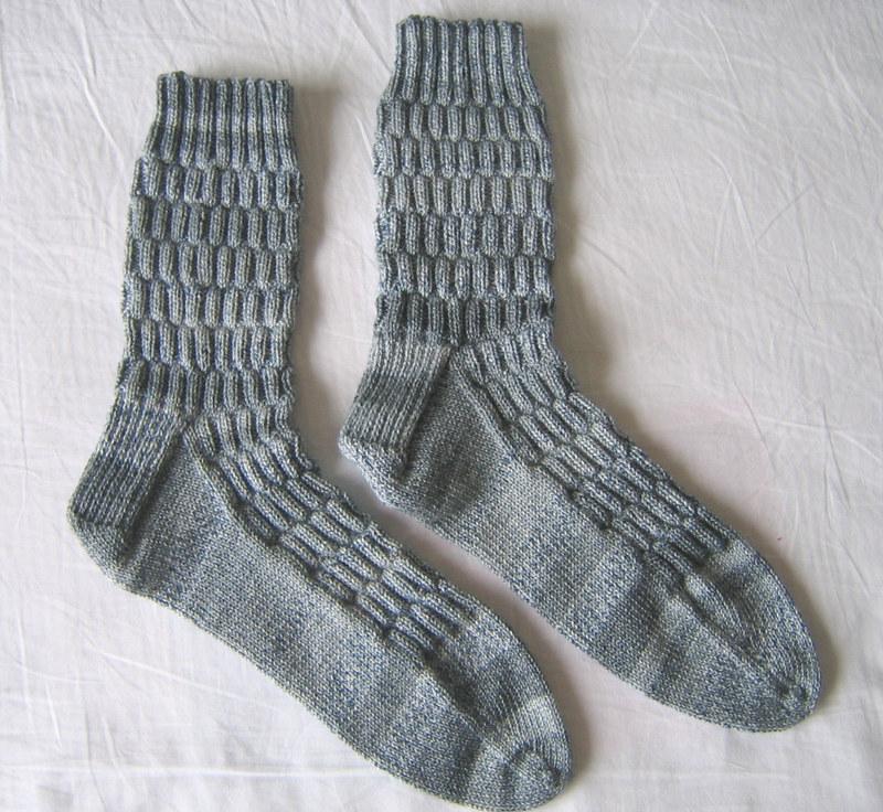 Knitting Pattern For Fancy Socks : joyousknits: Socks for Pop